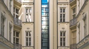 Foksal 13/15: Pierwsza warszawska winda panoramiczna znowu pojedzie