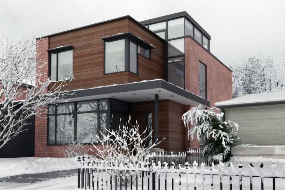 5 sposobów na zwiększenie bezpieczeństwa wokół domu podczas zimy