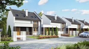 J.W. Construction rozpoczyna budowę drewnianych domów szeregowych