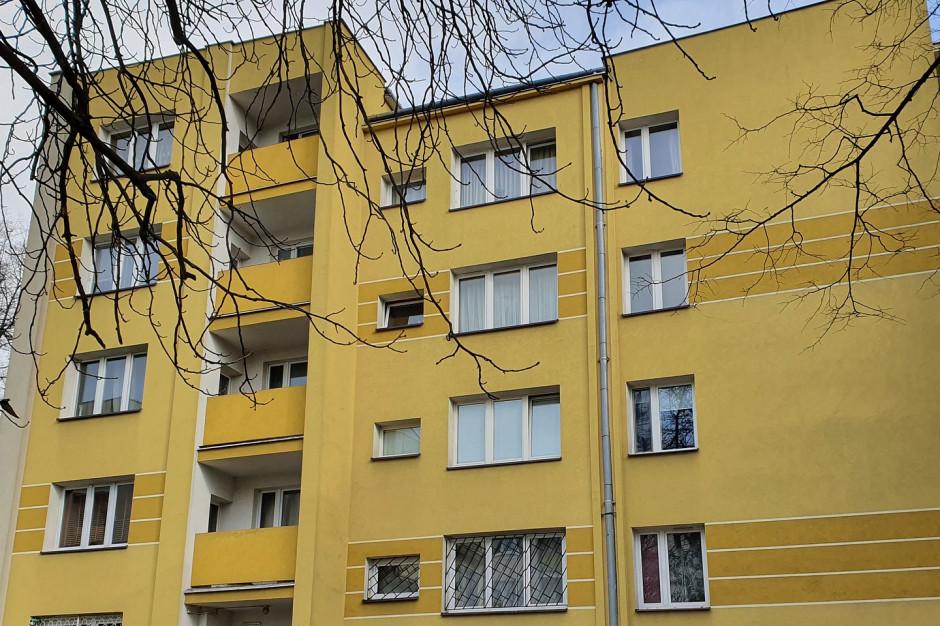 Kolberga 8 w Warszawie pierwszym beneficjentem Funduszu Dostępności