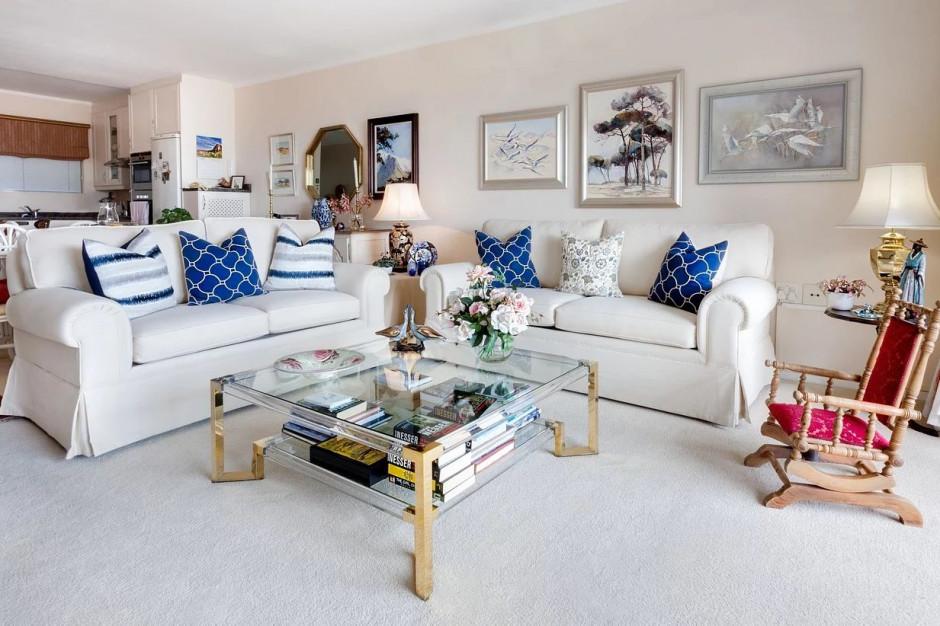Aranżacja mieszkania. Dodatki w kolorze classic blue