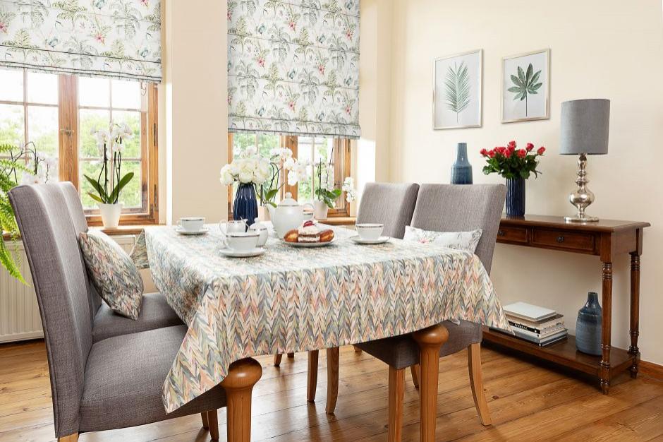 Aranżacja jadalni: na jaki stół i krzesła postawić?