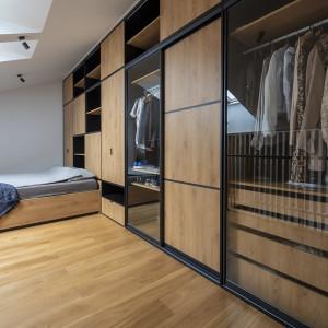 Tak urządzono małe mieszkanie z antresolą