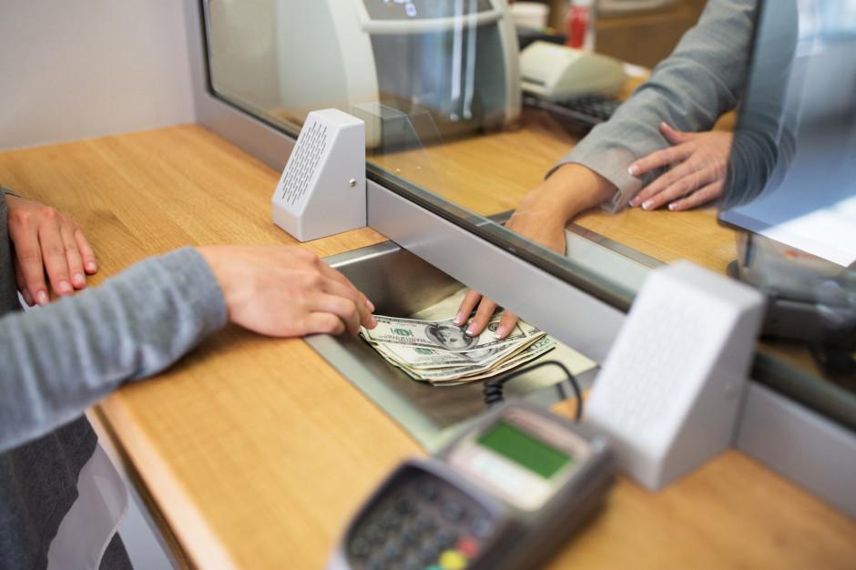 Raty kredytów pójdą w dół. RPP obniżyła stopę procentową o 0,50 pkt.
