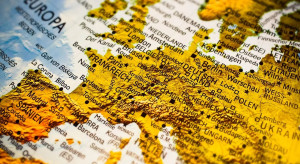 Około 80 tysięcy obywateli UE na świecie czeka na powrót do domu