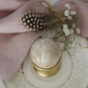 Wielkanocny stół w pastelach