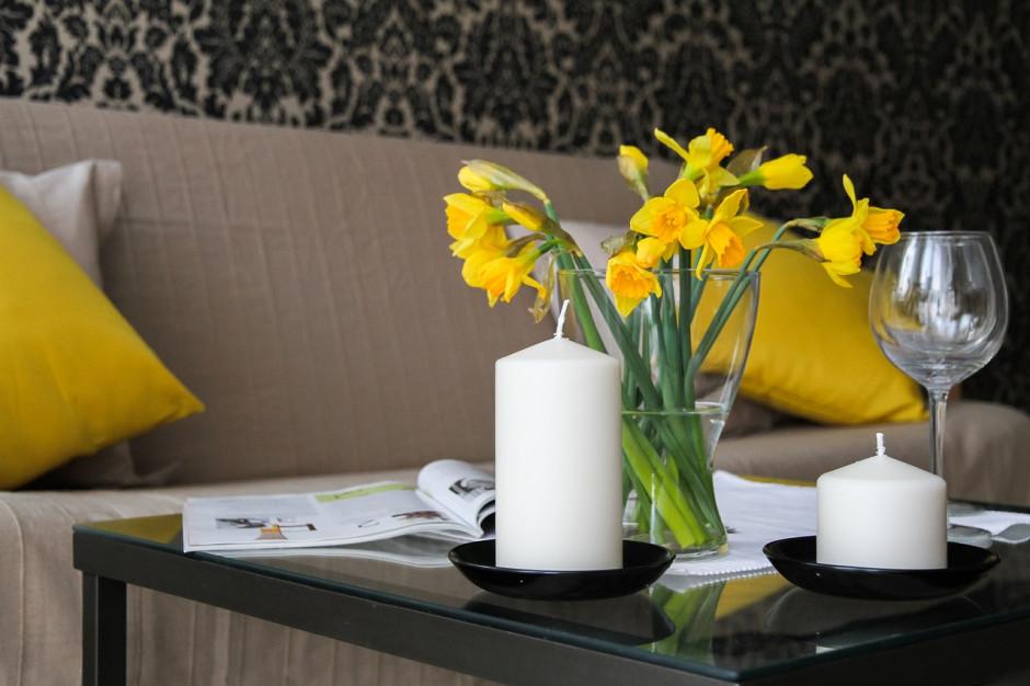 Modne mieszkanie na wiosnę. Triki w aranżacji