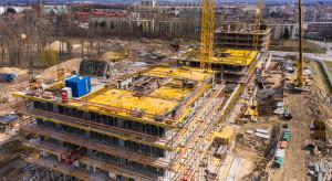 Tak wyglądają prace na placu budowy osiedla Pierwsza Dzielnica w Katowicach