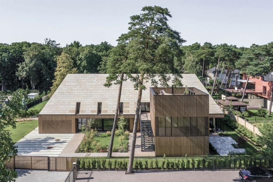 Elewacja ażurowa, czyli designerska fasada z drewna