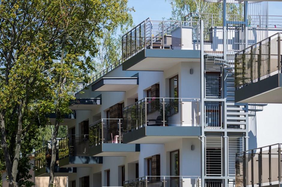Mieszkanie z ogródkiem lub większy metraż. Tak koronawirus zmienił preferencje Polaków