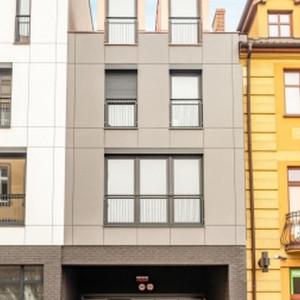 Ulica Skarbowa w Lesznie zmienia swoje oblicze. Tak wygląda budynek mieszkalny po rewitalizacji
