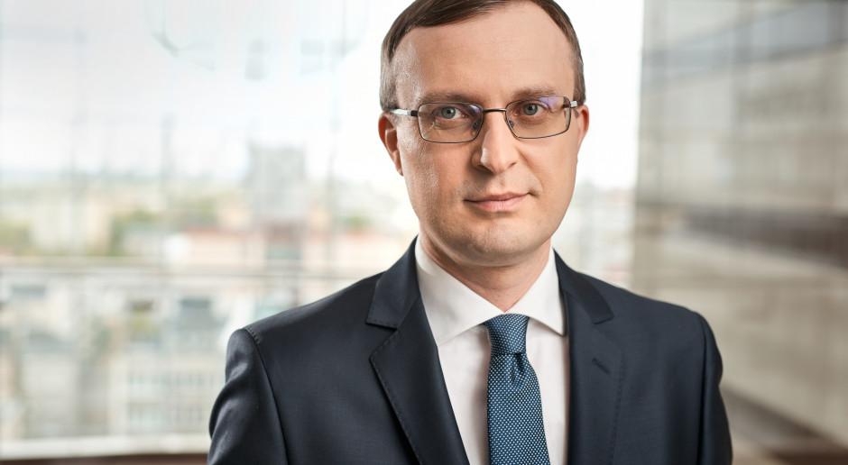 Polacy wychodzą z pandemii z wyższymi wynagrodzeniami i oszczędnościami