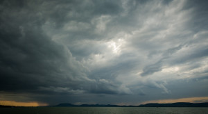 Węgry: tysiące mieszkań w Debreczynie bez prądu po przejściu burzy
