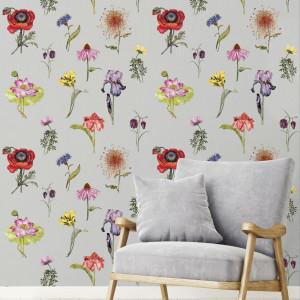 Kwiaty we wnętrzach. Postaw na tapetę z dekorem