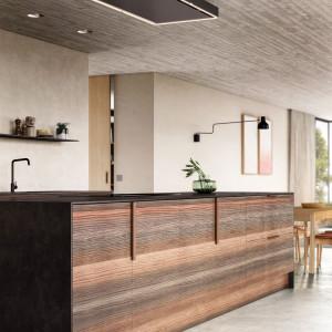 Kuchnia otwarta na salon. Wybierz designerski okap
