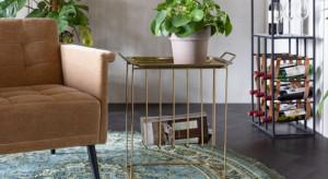 Stoliki kawowe i ławy - jak wybrać idealny model do salonu?