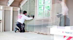 Budowa domu. Jak ocieplać skosy poddasza?