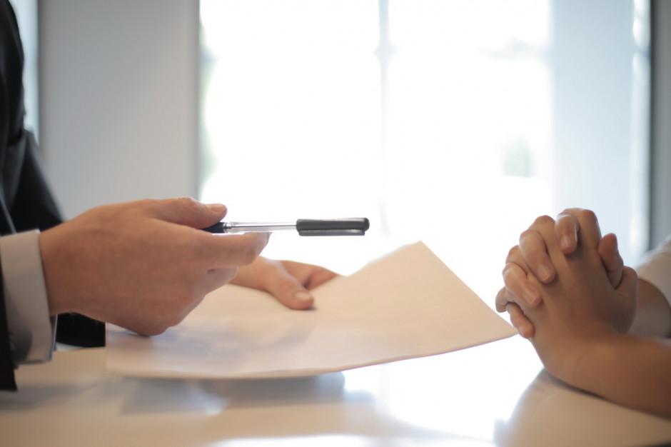 Kredyt hipoteczny. Polacy rzadziej korzystają z pomocy pośredników finansowych