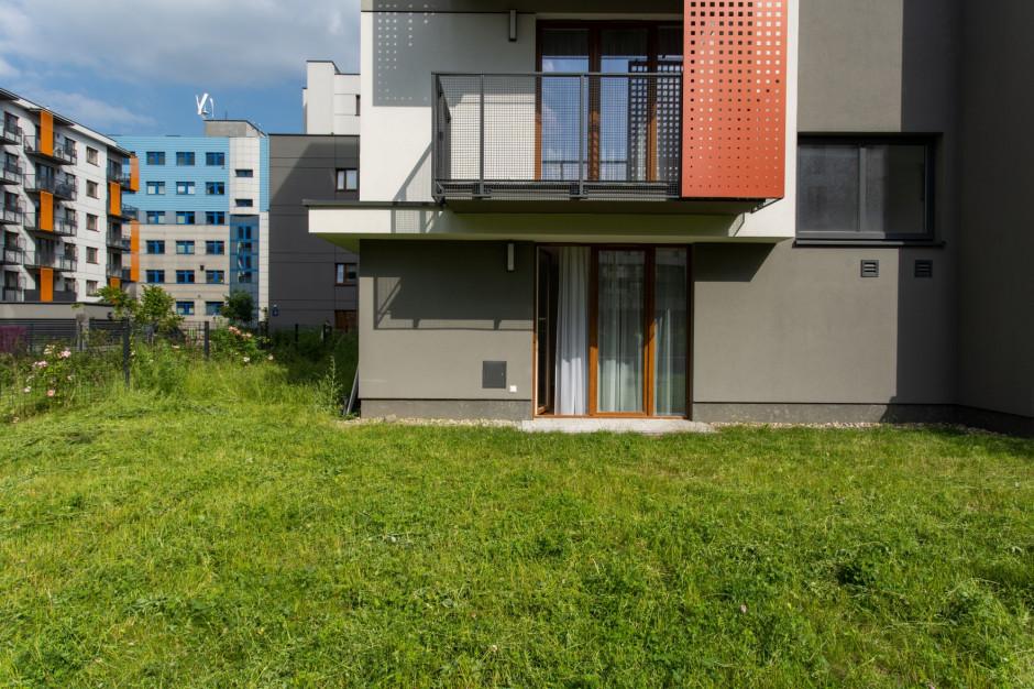 Apartament pod klucz, z własnym ogrodem: to nowa propozycja od Moovin Group