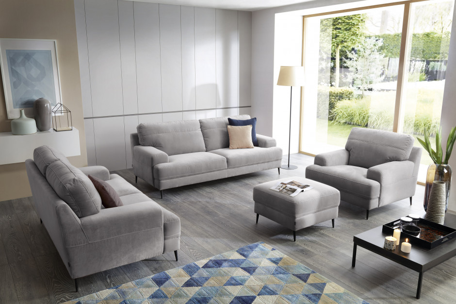 Narożnik czy sofa z fotelem? Które rozwiązanie sprawdzi się w mieszkaniu?