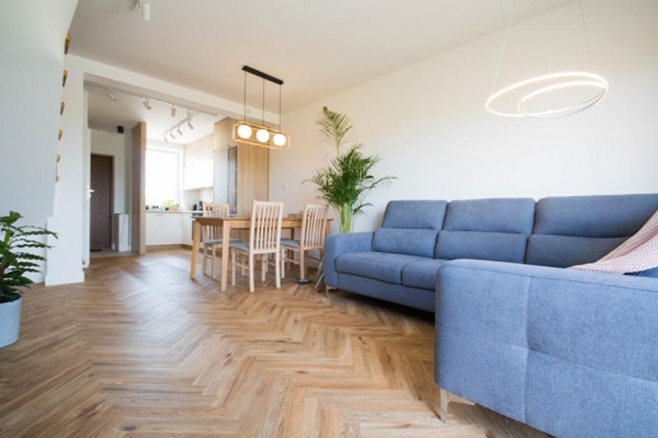 Przytulne mieszkanie w okolicy Gdańska. Tak urządzono 85 metrów