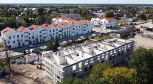 Nowa Murowana 2 pnie się w górę