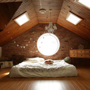 Kolory jesieni w sypialni. Trendy od projektantów