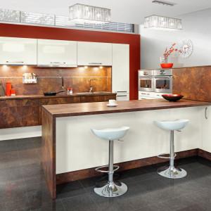 Absolutny trend: dwubarwna paleta kolorystyczna w kuchni