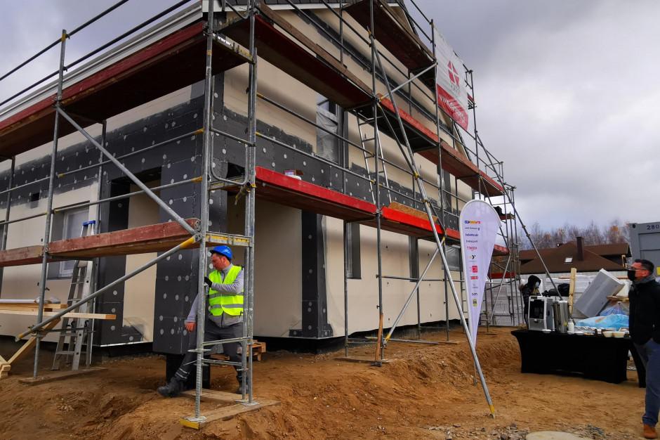 #DomZSerca  gotowy. Wspólna akcja budowy domu dla wielodzietnej rodziny