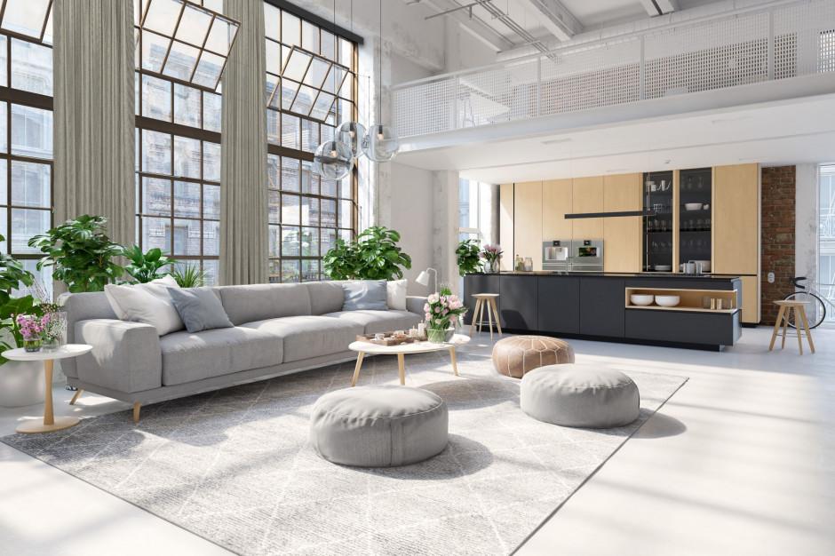 Dekoracje okienne sterowane elektrycznie - kiedy warto w nie zainwestować?