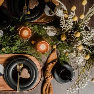 Pomysły na przybranie świątecznego stołu