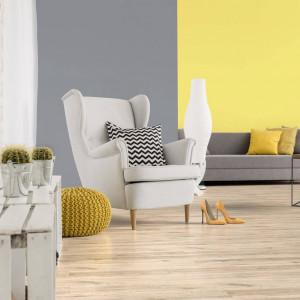 Spokojna szarość i słoneczna żółć we wnętrzu Jak stosować kolory roku 2021?