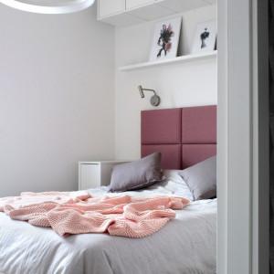Mieszkanie w bieli i pastelach. Ciekawa aranżacja