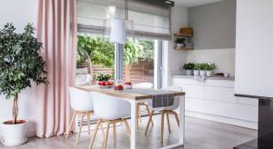 Jak łączyć rolety z zasłonami?