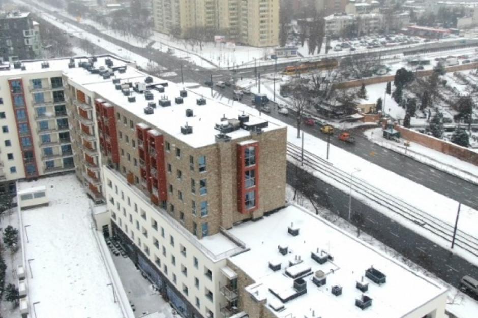 Warszawski Targówek z kolejnymi mieszkaniami komunalnymi