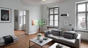 Pełen sztuki apartament w starej kamienicy w Warszawie od Kulczyński Architekt