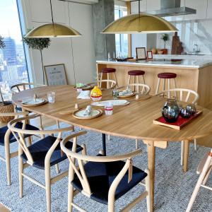 Złota 44 z duńską marką Carl Hansen & Søn urządza nowy apartament pokazowy