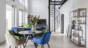 Tak urządzono nowoczesny loft pod Warszawą