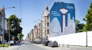 Wieża Jeżyce z muralem z okazji premiery