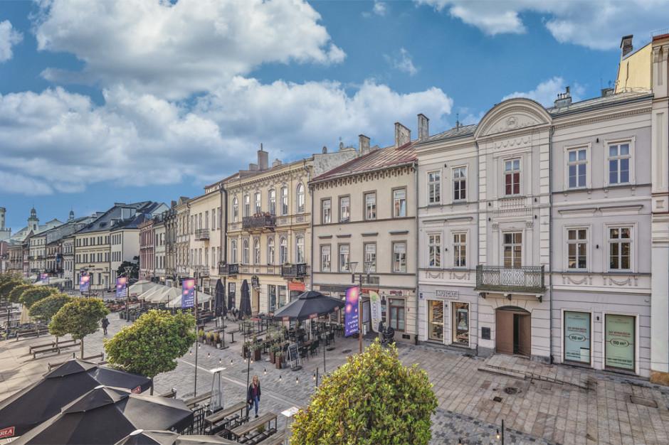 Real Management sprzedaje kamienicę Krakowskie Przedmieście 34