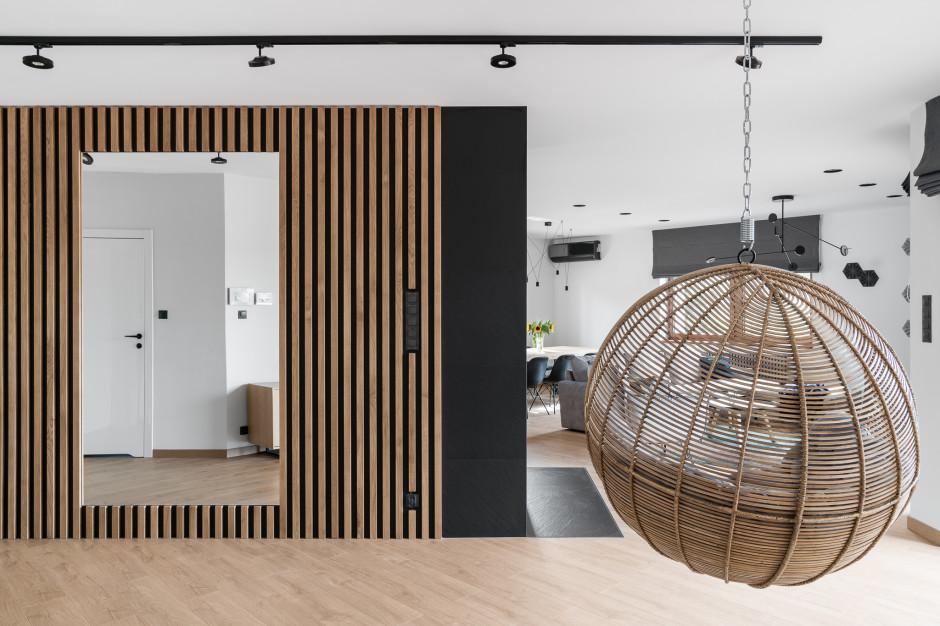 Minimalistyczny dom spod kreski Studia Projekt. Zobacz jak wygląda