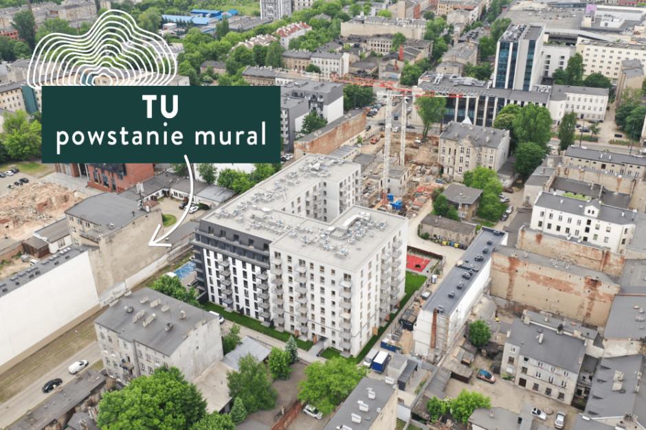 Nowy mural ozdobi kamienicę obok Diasfery Łódzkiej w Łodzi