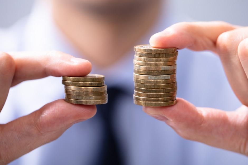 UOKiK: decydując się na inwestycję należy sprawdzić koszty i ryzyka