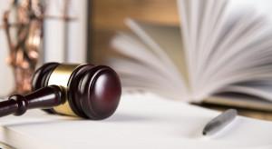 Akt oskarżenia ws. grupy przestępczej oszukującej na zakup materiałów budowlanych