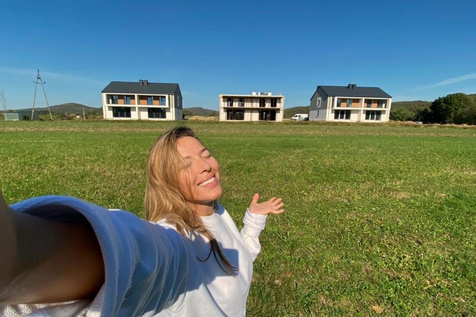 Ewa Chodakowska buduje osiedle domów w rodzinnym Sanoku